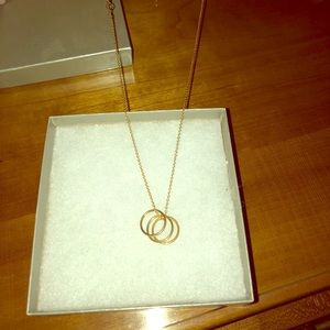 Beautiful gold necklace!